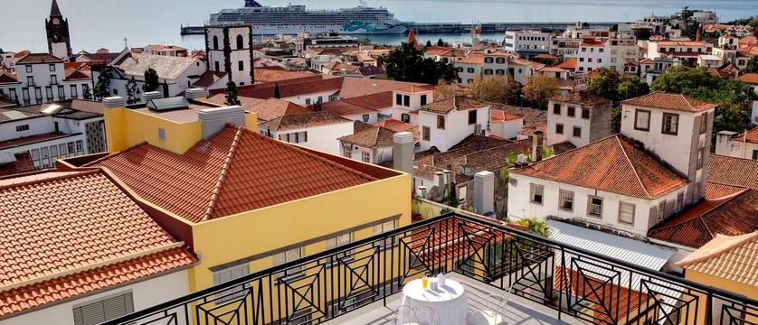 Funchal_orquidea_terrace.jpg